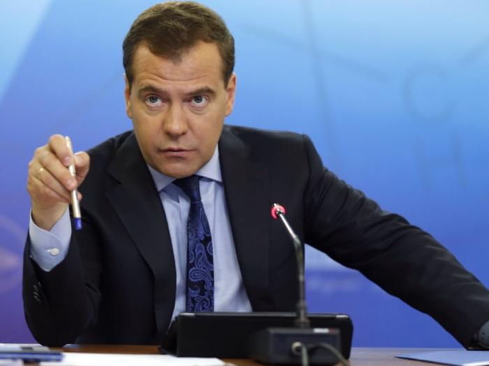 Бизнес предложил Медведеву семь шагов для спасения экономики от спада