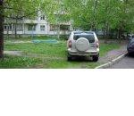 Предпринимателям запрещено парковать свои авто возле своего дома
