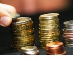 Власти задумались об отмене налога на доходы для малоимущих и введении вычета для всех работающих
