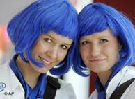 Стендистки в синих париках