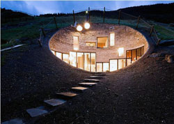 Богатейшие люди мира переселяются под землю. В Швейцарии подземное царство уже построено в одной из живописных деревень, с танцующим названием Vals.