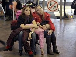 Российские туристы облачаются в доспехи