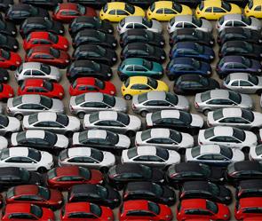 Цвет авто играет важную роль при продаже на вторичном рынке. Фото: Reuters