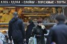 Россия, Санкт-Петербург. Торговля на станции метро Приморская. На снимке: торговый автомобиль пекарен &amp;quot;Буше&amp;quot;<br />                         (Фото: Чевалков Сергей)<br />