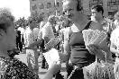 1994 год. Бойкая торговля новыми акциями - &quot;мавродиками&quot;<br />                 (Фото: Итар-Тасс)