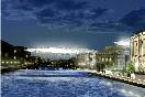 Петербуржцам так инеудастся увидеть вреальности серебристые облака надАпраксиным двором иФонтанкой, задуманные британским архитектором Крисом Уилкинсоном.