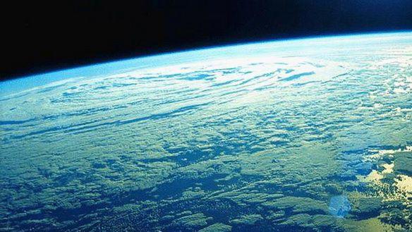 Земля из космоса. Фото: fotokosmos.narod.ru.