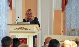 Елена Церетели познакомила участников заседания с результатами работы Общественного Совета в третьем квартале 2013 года