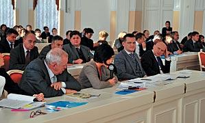 Представители КУГИ отметили, что жалоб, касающихся сроков заключения договоров от предпринимателей, к ним не поступало