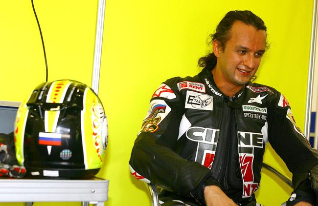 Олег Позднев - совладелец кинокомпании «Эталон-фильм» и пилот команды Кiva Moto