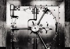 www.pmoney.ru: Важна ли для банка нацпринадлежность?