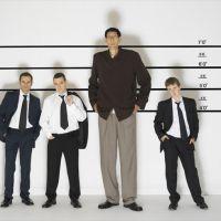 Ученые выяснили, что высокие люди успешнее низкорослых