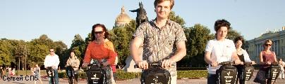 Швабры на колесах катаются по Петербургу