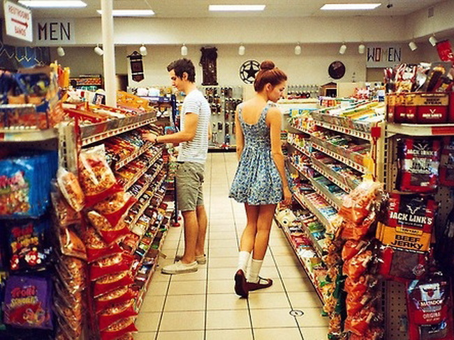 boy-food-girl-meeting-photography-supermarket-Favim.com-42099.jpg