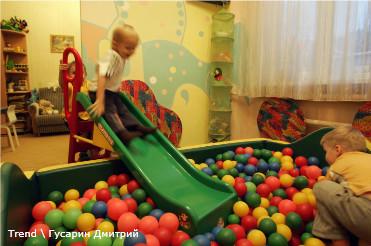 Россия, Санкт-Петербург. Детский сад №64, где произошел конфликт между руководством и частью родителей.