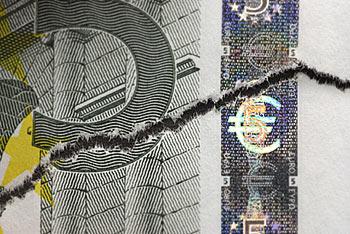 Евро угрожает клиническая смерть