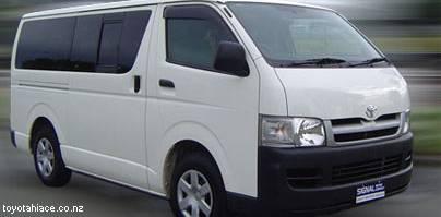 Кризис заставляет якудза питаться в фастфудах, ездить на Toyota и использовать фриланс