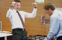 Дружить с боссом можно, но осторожно. Помните, что в случае чего страдает именно подчиненный. Фото Getty Images/Fotobank.ru