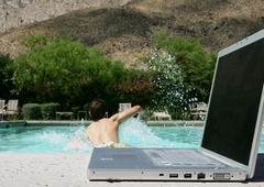 www.pmoney.ru: Отпуск без кредиток и ноутбука