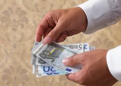 www.pmoney.ru: Инвестиции для богатых