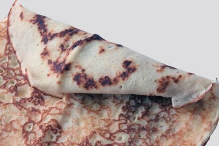 ГК «Янус» начала деятельность в 1996 году с организации поставок мороженого на рынок Челябинска. В 2002-м запущена собственная фабрика «Уральские пельмени», в 2006-м — ее вторая производственная площадка в селе Миасское. Сегодня предприятие выпускает мясные полуфабрикаты, блинчики, пиццу, вареники, пельмени и тесто. В 2009 году в структуру ГК «Янус» вошли фабрика по производству мороженого «РосФрост» в Троицке и агрофирма «Ильинка» в Красноармейском районе. ural_501_018.jpg